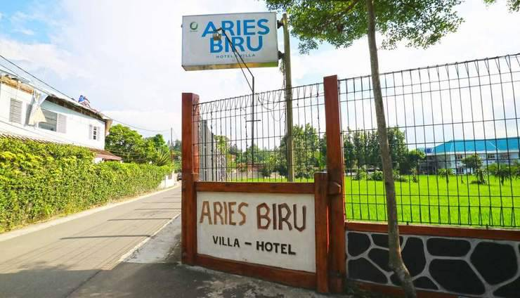 Aries Biru Hotel Bogor - Entrance