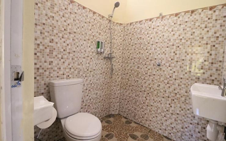 Sukawati Inn at Crystal Bay Bali - Bathroom