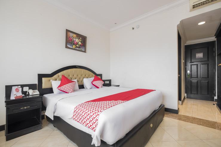 OYO 848 Hotel Sutomo Makassar - Bedroom