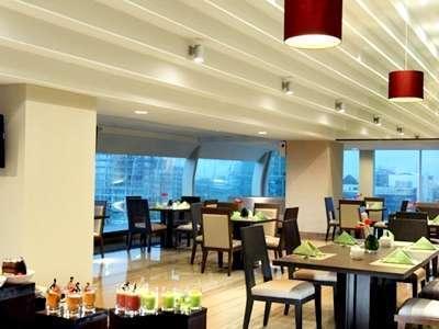 Hotel Santika Medan Medan - Restaurant