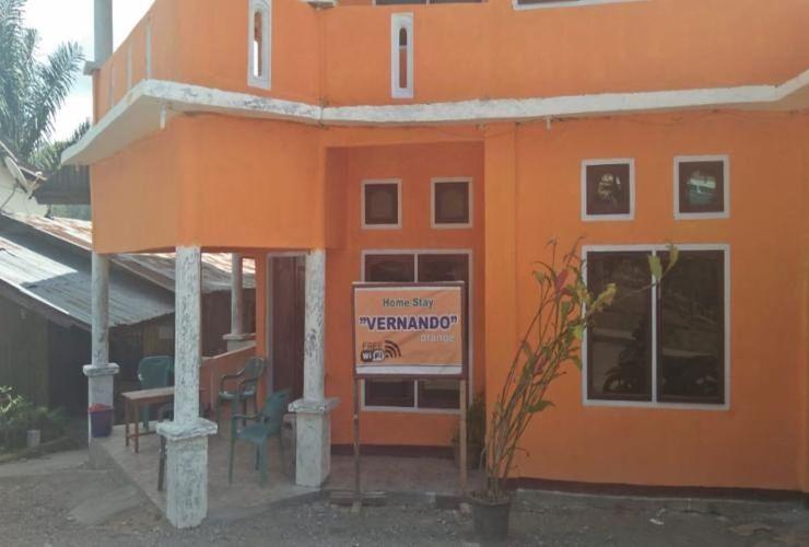 Vernando Homestay Ngada - Facade