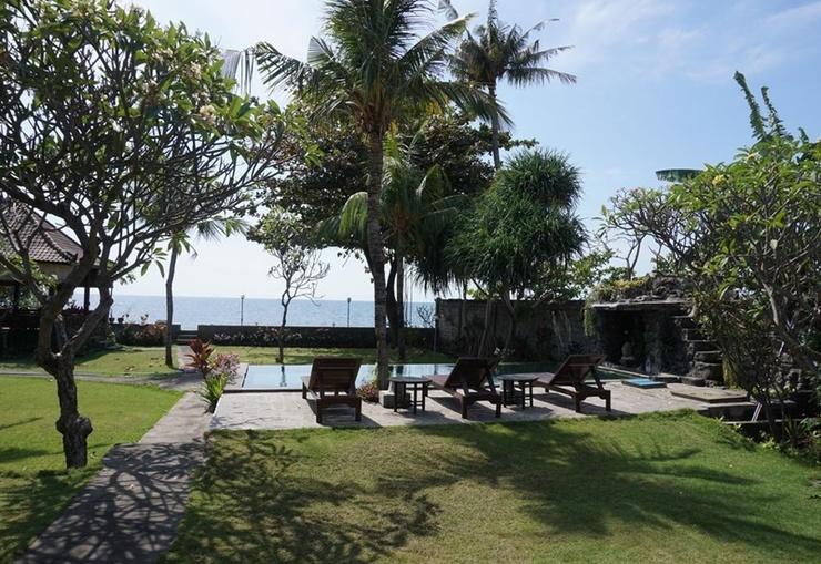 Pondok Bali Guest House Lovina Bali - Pool