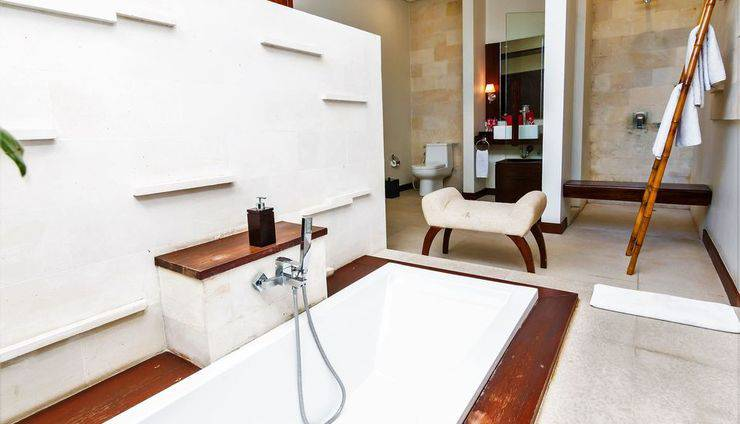 ZEN Premium Umalas Bumbak Villa Bali - Kamar mandi