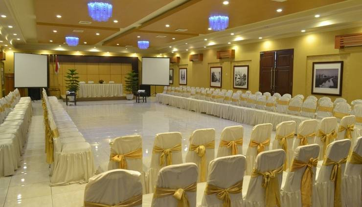 d Green Kayon Airport Hotel Solo - Boyolali Meeeting Room