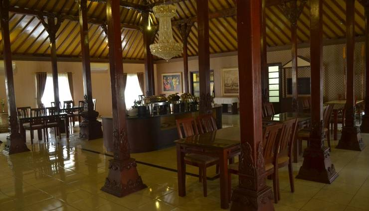 d Green Kayon Airport Hotel Solo - nDalem Resto