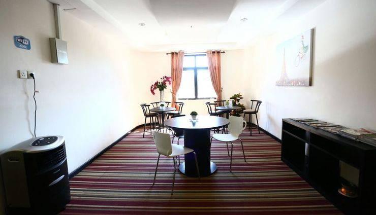 Hotel Mangga Dua Makassar - Mini Lounge