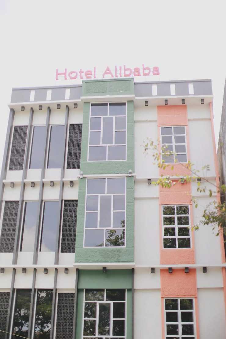 Hotel Alibaba Banjarmasin - Front