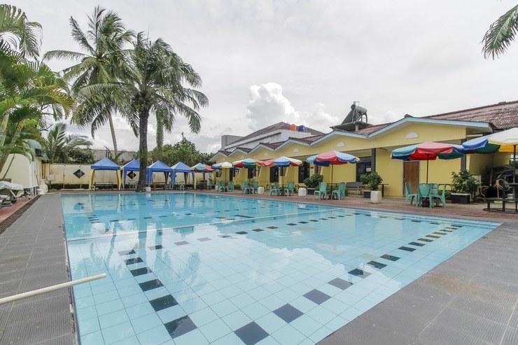 Hotel Aksi Natural Resort Pangkalpinang - Pool