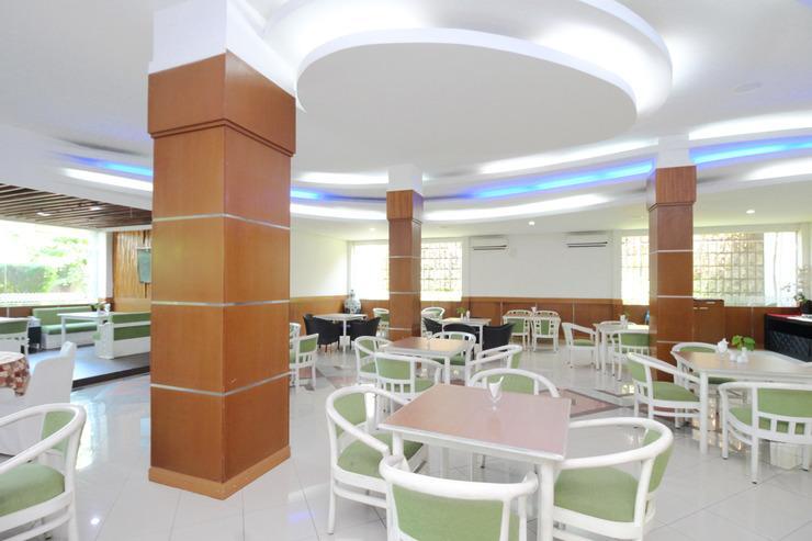 Airy Bandara Ahmad Yani Arteri Utara D4 Semarang Semarang - Restaurant