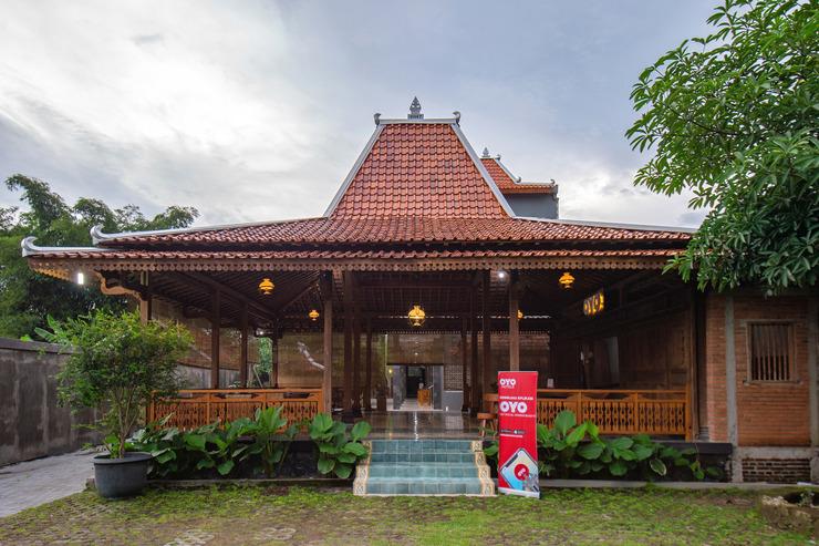 OYO 594 Joglo Manggisan Syariah Yogyakarta - Facade