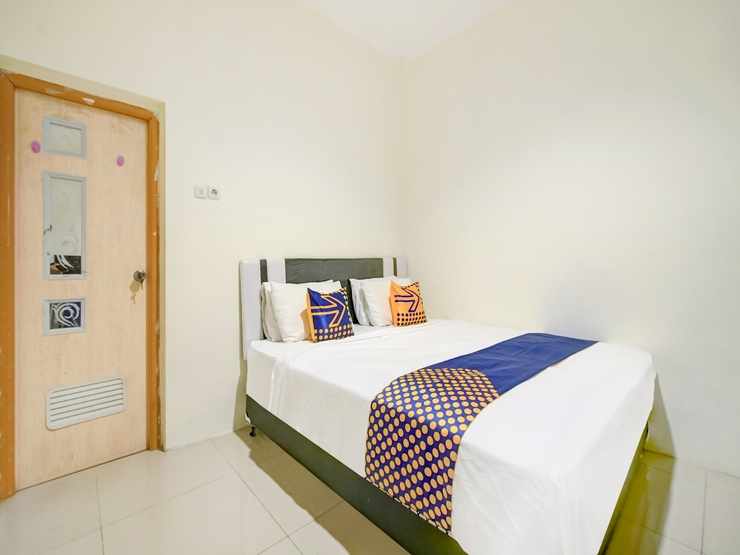 OYO 2698 Kost Blessing Malang - Guestroom Sp/D
