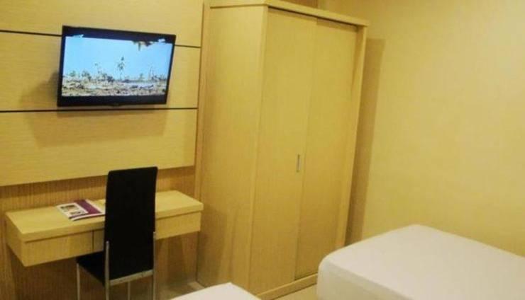 D'Blitz Hotel Kendari - Room