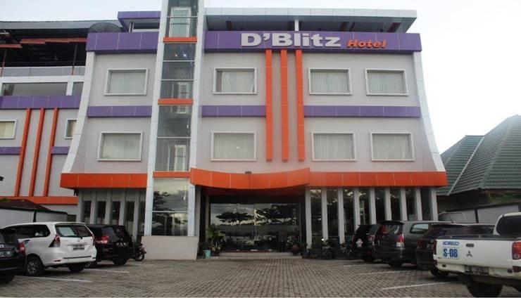 D'Blitz Hotel Kendari - Exterior