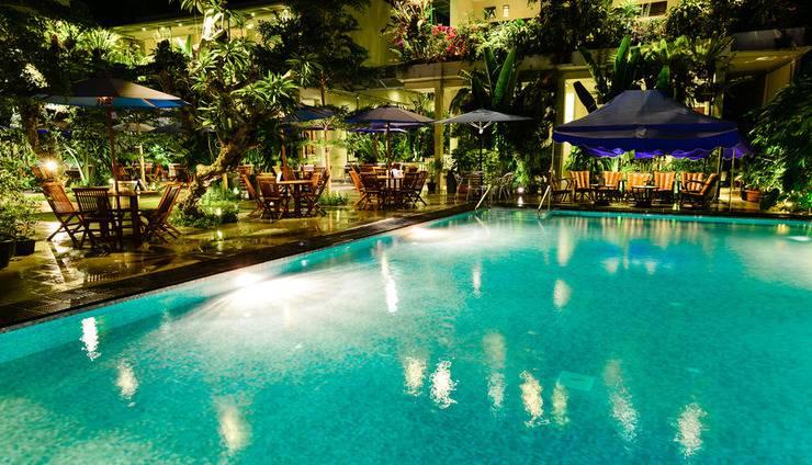 Atsari Hotel & Bungalow Danau Toba - Kolam Renang