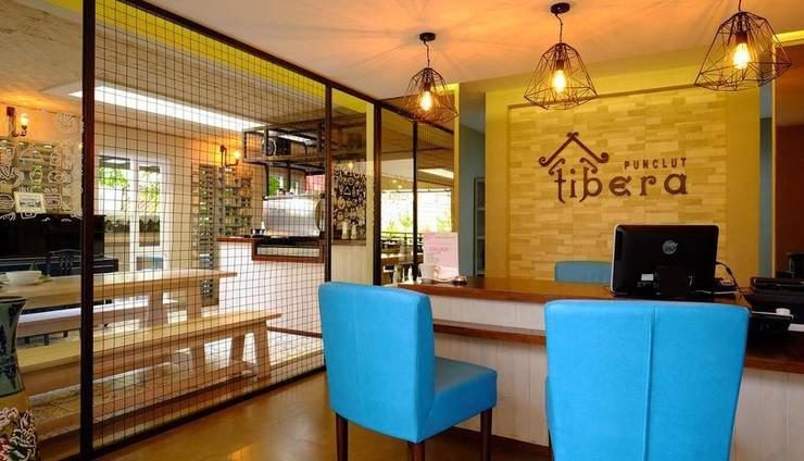 Tibera Hotel Ciumbuleuit Bandung - Resepsionis