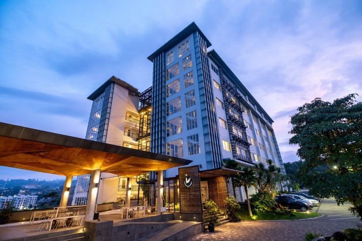 Clove Garden Hotel Bandung - Front Building