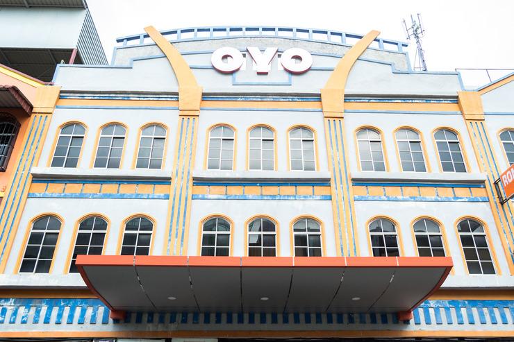 OYO 664 Romance Hotel Batam - Facade