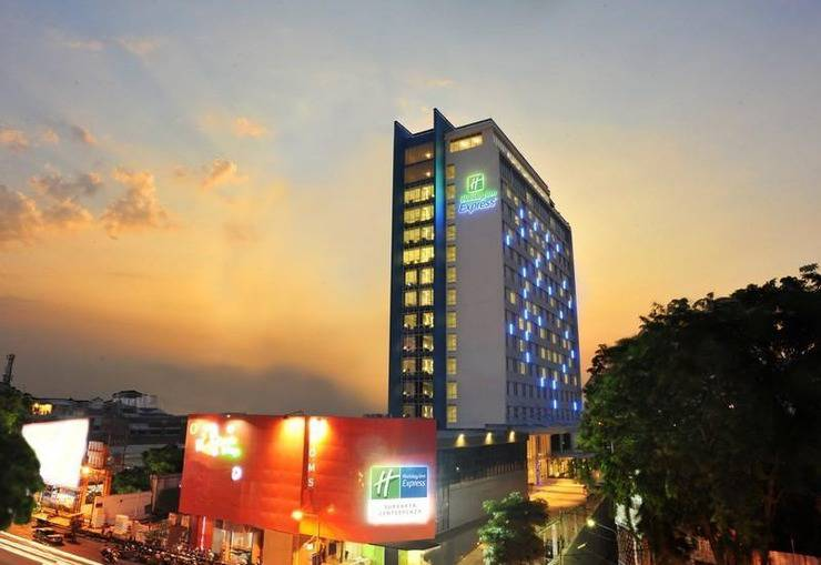 Holiday Inn Express Surabaya Central Plaza Surabaya - Pemandangan