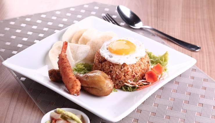 Holiday Inn Express Surabaya Central Plaza Surabaya - Nasi Goreng Spesial