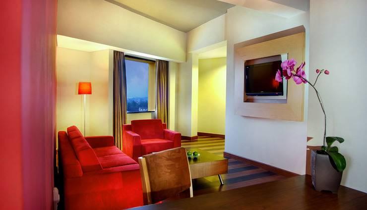 Aston Palembang - Executive living room