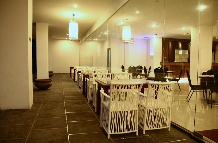 Saka Hotel Medan - Teraace
