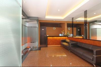Airy Citraland International Surabaya - Lobby