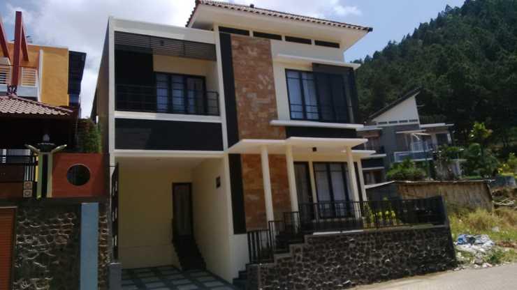 Villa EDM F22 By MakelarMbois Malang - Exterior