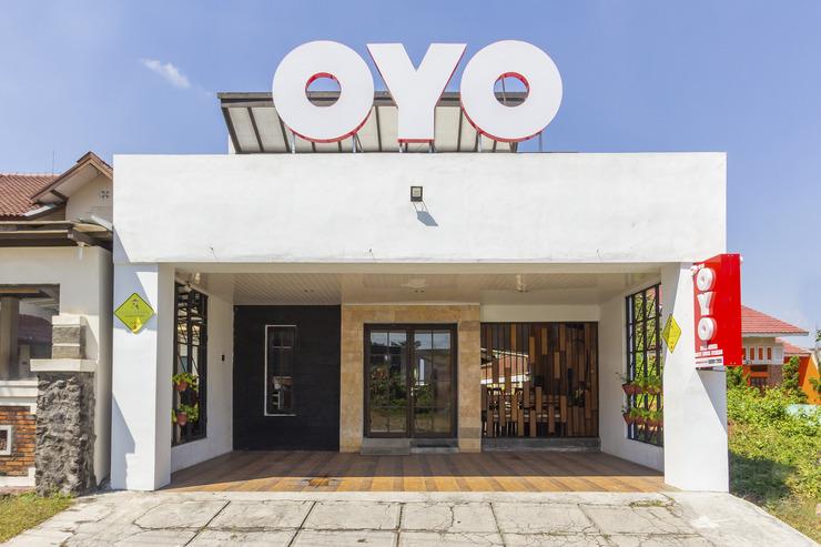 OYO 1050 Rifka Annisa Guest House Syariah Yogyakarta - facade
