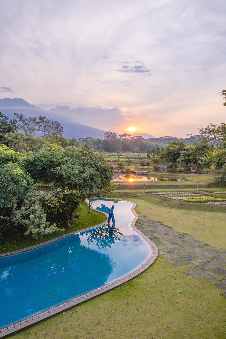 K Hotel & Resort Pasuruan - Kolam renang