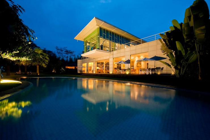 K Gallery Hotel Pasuruan - suasana malam hari di prego restaurant