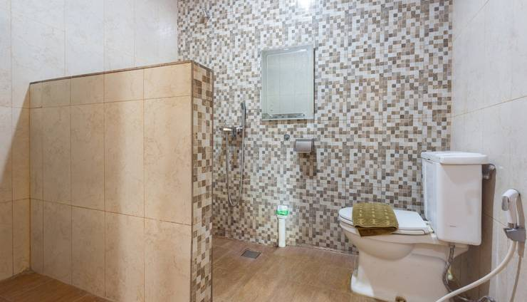 Zaen Hotel Syariah Solo - Paviliun Bathroom