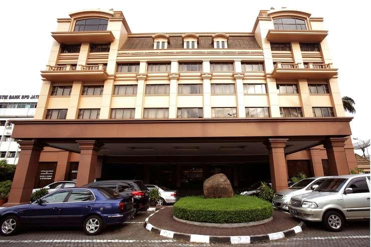 New Metro Hotel Semarang - Featured Image