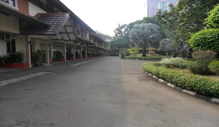 C'One Hotel Cempaka Putih Jakarta - Exterior
