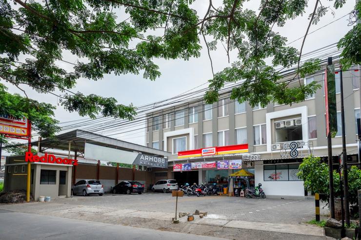 RedDoorz near Exit Tol Banyumanik 2 Semarang - Photo