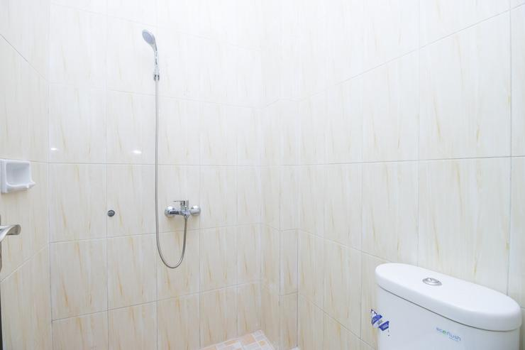 Airy Lowokwaru Kedawung Lima 25J Malang - Bathroom