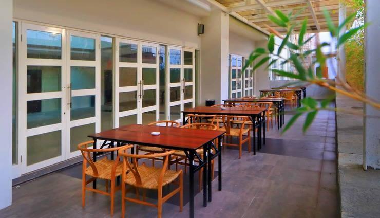 Hotel Dafam Lotus Jember Jember - Outdoor Canting Restaurant