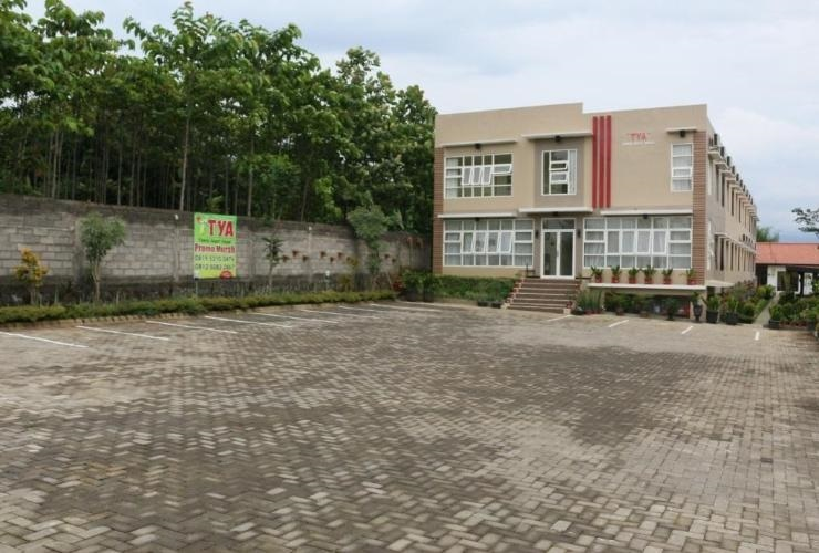 Tya Guest House Malang - Exterior