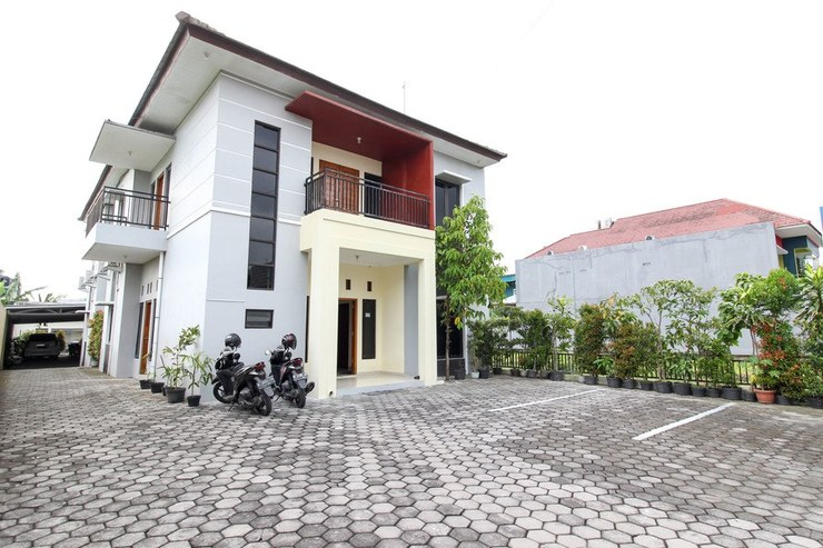 RedDoorz near Rumah Sakit Condong Catur Yogyakarta - Bangunan Properti