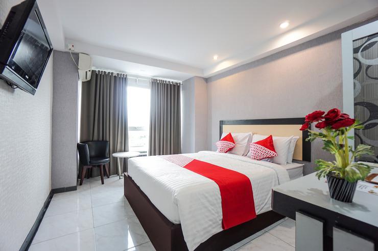OYO 1318 Hotel Prince Boulevard Manado - Bedroom Su/D