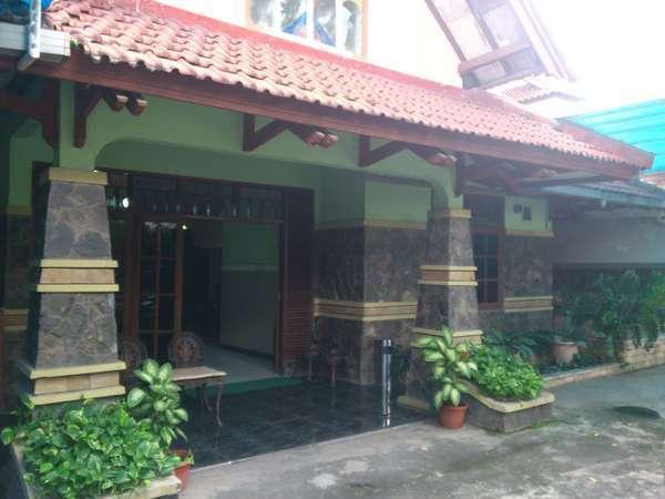 Alamat Riyadi Guest House - Surabaya