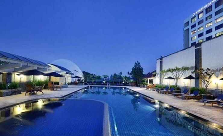 Hotel Aryaduta Bandung - Swimming Pool