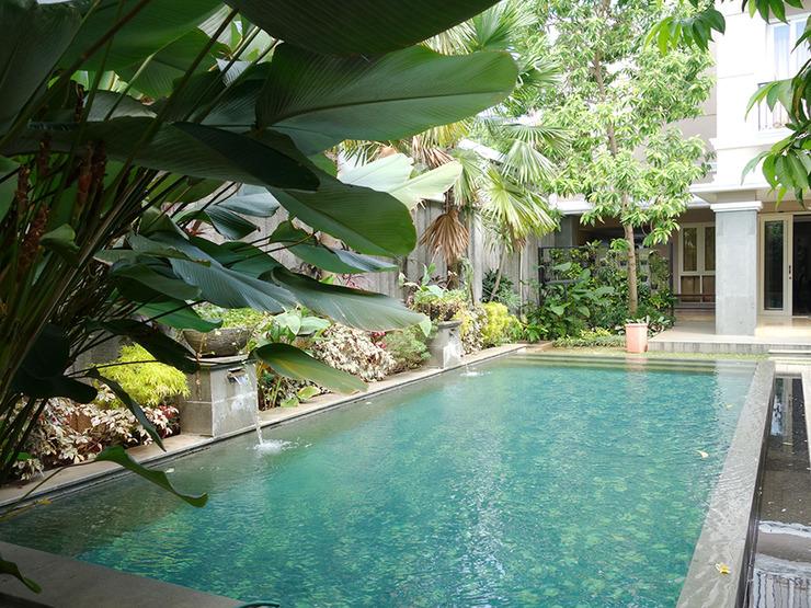 Saffron Suites Syariah Jakarta - Pool 4
