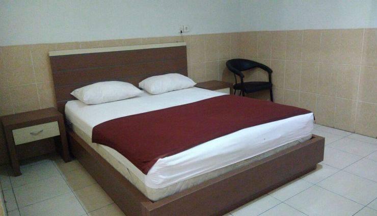 Hotel Arowana  Jember - Kamar tamu