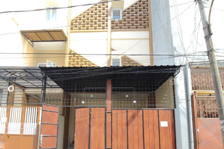 Kamar Keluarga Syariah Cendrawasih Jakarta - Exterior