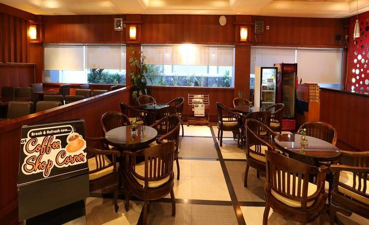 Tarakan Plaza Hotel Kalimantan Timur - Cafe Shop