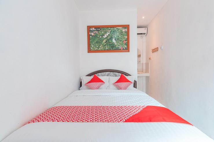 OYO 2229 Dolfie Residence Depok - Standard Double Bedroom