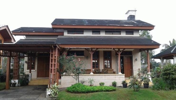 Villa Kota Bunga Anyelir Cianjur - Facade