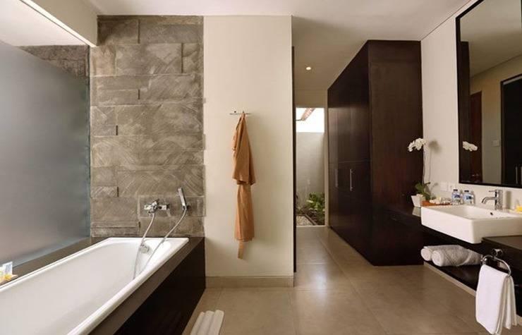 Samaja Beachside Villas Seminyak - Kamar mandi