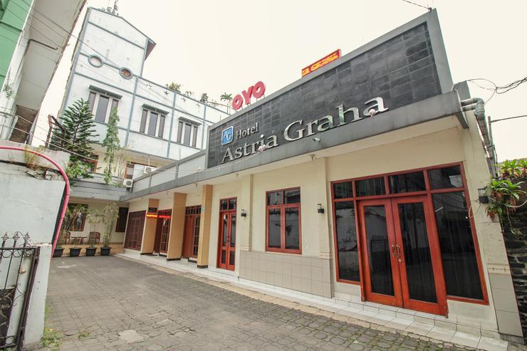 OYO 249 Hotel Astria Graha Bandung - Facade