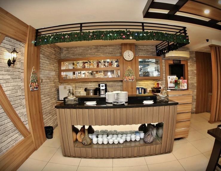 Grand Palace Hotel Makassar Makassar - CRYSTAL RESTAURANT